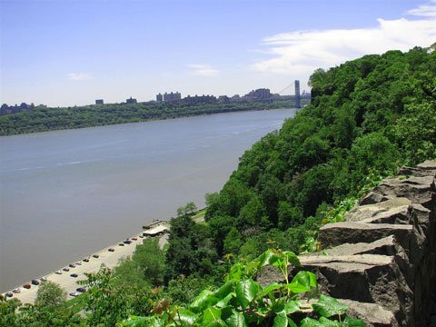 Englewood Cliffs - View from the cliff overlooking the Hudson River and Manhattan