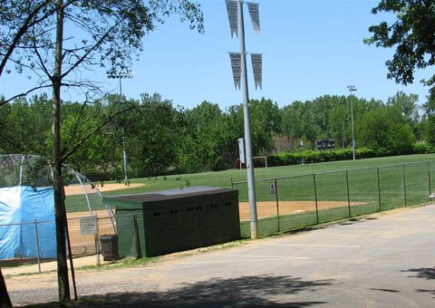 Leonias recreational facilities include 6 parks (including Overpeck and Wood), 3 athletic fields , baseball, jogging, horseback riding and more